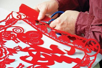 искусство вырезания из бумаги в Китае