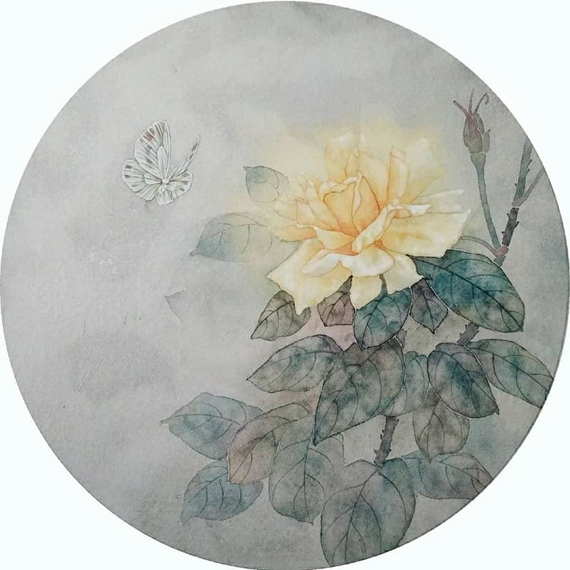 Жёлтая роза с бабочкой